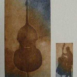 """ets """"Contrabas""""te koop 40x50cm twee etsen contrabas en muzikant en met daarboven blinddruk van een solsleutel"""